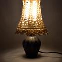 Horgolt vázalámpa romantikusoknak, Otthon, lakberendezés, Lámpa, Asztali lámpa, Hangulatlámpa, Horgolás, Igazi újrahasznosított lakásdekor: egy régi, fekete agyag váza lett a lámpa teste, a búra is rozsdá..., Meska