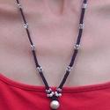 Makramé nyaklánc, Ékszer, óra, Nyaklánc, Csomózás, Gyöngyfűzés, Sötétkék színű selyemfonalból makramé technikával, gyöngy díszítéssel készült nyaklánc. Teljes hoss..., Meska