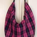 Pink-fekete kockás  hobo táska, Baba-mama-gyerek, Táska, Válltáska, oldaltáska, Pink-fekete-zöld-kék kockás szövetből készítettem ezt a jó nagy méretű válltáskát. Rengeteg holmit l..., Meska