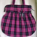 Pink-fekete kockás, nagy  válltáska, Táska, Baba-mama-gyerek, Ruha, divat, cipő, Válltáska, oldaltáska, Kockás szövetből készítettem ezt a táskát.Pink-fekete dominál a színeiben,de egy-egy csík erejéig me..., Meska