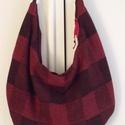 Bordó-fekete hobo táska, Bordó-fekete szövésű kockás szövetből kész...