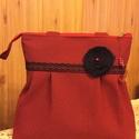 Piros-fekete pepita kockás válltáska csipkével,kitűzővel, Táska, Válltáska, oldaltáska, Nagyon szép piros-fekete ,pepita kockás szövetből készítettem ezt a válltáskát. A felső része szűkeb..., Meska