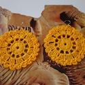 Aranyló napsugár, horgolt fülbevaló, Ékszer, Fülbevaló, Sárga fonalból horgolt kerek fülbevaló a napot szimbolizálja.  Átmérője 5 cm., Meska