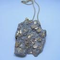 BETON nyaklánc #3, Ékszer, Nyaklánc, Betonból készült pirit ásvány és fémhatású festék felhasználásával. A természetes formákat igyekszem..., Meska
