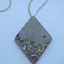 BETON nyaklánc #4, Ékszer, Nyaklánc, Betonból készült pirit ásvány és fémhatású festék felhasználásával. A természetes formákat igyekszem..., Meska