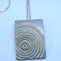 BETON nyaklánc #5, Ékszer, Nyaklánc, Betonból készült pirit ásvány és fémhatású festék felhasználásával. A természetes formákat igyekszem..., Meska