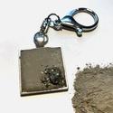 BETON kulcstartó férfiaknak , Ékszer, Nyaklánc, Betonból készült kulcstartó pirit ásvány felhasználásával. Szép és praktikus ajándék lehet férfiakna..., Meska