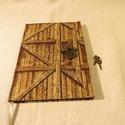 """A/5-ös """"Pajtaajtós"""", lakatos napló, emlékkönyv (8), Naptár, képeslap, album, Férfiaknak, Jegyzetfüzet, napló, Naptár, jegyzet, tok, Könyvkötés, Méretek: 14 x 20 cm, 200 oldalas egyedi tervezésű vonalazással.Kézzel fűzött, halványzöld lapokkal...., Meska"""