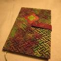 A/5 Határidőnapló, Zöld mágneses (14), Naptár, képeslap, album, Naptár, Jegyzetfüzet, napló, Könyvkötés, Papírművészet, Mérete: 14 x 20 cm, hetes beosztású, a végén 60 oldal jegyzettel. Narancssárgás lapokkal, melyeket ..., Meska