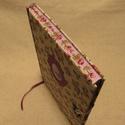 (21) A/5 határidő napló, lila rózsás, metszésfestett, Naptár, képeslap, album, Jegyzetfüzet, napló, Naptár, Könyvkötés, Különleges megjelenésű egyedi napló. Mérete: 14 x 20 cm, pasztell lila színű lapokkal, melyeket kéz..., Meska