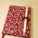 A/6 Bordó indás, tollas notesz (40), Naptár, képeslap, album, Jegyzetfüzet, napló, Mérete 10 x 14 cm  200 oldal rózsaszínű üres lapokkal.  A toll kihúzásával nyílik a könyv, így az má..., Meska