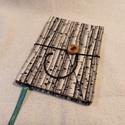 A/6 Nyírfás gombos-zsebes notesz, Mérete: 10 x 14 cm, 200 oldal. Saját készítés...