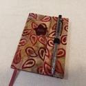 A/6 Bordó csepp mintás, tollas határidő napló, Otthon & lakás, Naptár, képeslap, album, Naptár, Méretek: 10 x 14 cm. heti beosztású határidő napló, melynek az oldalait kézzel rajzoltam, terveztem...., Meska