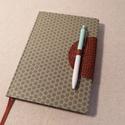 A/5 Pasztell zöld pöttyös, ponthálós napló, Méretek: 14 x 20 cm, 240 oldal, egyedi pontháló...
