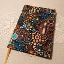 A/5 Színes, farudas, vonalas napló, Méretek: 14x20 cm, 240 oldal, egyedi vonalazású...