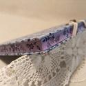 A/5 Kék virágos, vonalas, metszésesfestett napló, Méretek: 14 x 20cm, 240 oldal. Halványlila szín...