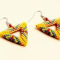 Peyote háromszög fülbevaló, Ékszer, Fülbevaló, Delica gyöngyből készült lyukas háromszög alakú fülbevaló. Csinos,sportos,egyedi ékszer.Ug..., Meska