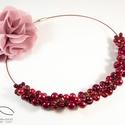 Szőlő nyaklánc - piros, Ékszer, Nyaklánc, Sok-sok teklagyöngy felhasználásával készült a nyaklánc A gyöngyöket arany színű dróttal..., Meska