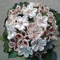 Szatén örökcsokor, Esküvő, Férfiaknak, Esküvői csokor, Vőlegényes, Csokor, Mindenmás, A képen látható csokor szatén virágból és élő zölddel készült. Örökcsokornak nevezhető ugyanis a vi..., Meska