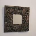 Steampunk Réz színű Falitükör , Otthon, lakberendezés, Képkeret, tükör, Festett tárgyak, Steampunk Réz színű Falitükör 25 x 25 cm széles,belső méret 9,5 x 9,5 cm.A fa tükörkeret elkészítés..., Meska