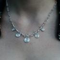 Ezüst nyaklánc rózsaszín gyöngyökkel, Ékszer, Nyaklánc, Ezüstszínű drótból készült nyaklánc rózsaszín gyöngyökkel díszítve. A nyaklánc 45,5 c..., Meska