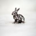 Gyönyörűen kidolgozott 925-ös tömör ezüst nyúl, Dekoráció, Dísz, Ezt a kicsi miniatűr ezüst mezei nyulat 925 sterling ezüstből készítettem. A nyúl szőre, arca finoma..., Meska