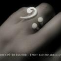 Egyedi ezüst basszuskulcs gyűrű, Ékszer, Gyűrű, Ezt a különleges ékszer a mosoly gyűrű ihlette, nagyon hasonlít is hozzá, csak itt a mosolygós száj ..., Meska