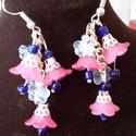 Romantikus virágos fülbevaló, Ékszer, Fülbevaló, Rózsaszín  és kék színű,tündöklő, könnyű, romantikus fülbevaló. Apró pillangòk, roman..., Meska