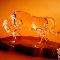 Üveg bika, Képzőművészet, Szobor, Üvegművészet, Szobrászat, Víztiszta üvegből készült bika. Különböző átmérőjű üvegbotok, nyílt lángon való megmunkálás eredmén..., Meska