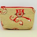 Piros baglyos neszesszer / pénztárca, Táska, Neszesszer, Baglyos bútorvászonból készült neszeszer. Akár pénztárcának is jó.   Merete:17 cm x 12cm, Meska