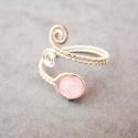 Rózsakvarc gyűrű, Ékszer, óra, Gyűrű, Ékszerkészítés, Az elkészítéshez egy 6 rózsakvarc ásványt használtam, valamint ezüst színű, allergénmentes ékszerdr..., Meska