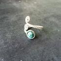 Türkiz gyűrű, Ékszer, óra, Gyűrű, Ékszerkészítés, Fémmegmunkálás, A gyűrű elkészítéséhez allergénmentes ékszerdrótot és egy 6 mm-es türkiz ásványt használtam. A gyűr..., Meska