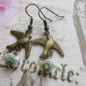 Vintage  madárkás virágos fülbevaló, Ékszer, óra, Esküvő, Fülbevaló, Esküvői ékszer, Gyöngyfűzés, Csinos, romantikus, vintage stílusú fülbevaló, amelyt akril virágok, Cseh csiszolt üveggyöngyök, br..., Meska