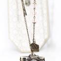 Párizsi kaland  óra, nyakláncóra, Ékszer, Antikolt bronz színű fényképező formájú vintage zsebóra, Párizs  motívumokkal.  Az óra alapra láncot..., Meska