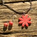 Piros  virágos szett, Ékszer, óra, Ékszerszett, A fülbevaló és a nyaklánc fehérre égő agyagból készült.A kerámiagyöngyök színe antikol..., Meska
