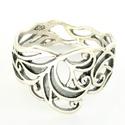 Indás gyűrű, Ékszer, Magyar motívumokkal, Gyűrű, Az indás gyűrűt természeti forma ihlette, de magában foglalja a szerves műveltség motívumszerkesztés..., Meska