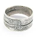 Gyűrt gyűrű, Ékszer, Gyűrű, A gyűrt gyűrűt a drapériák redőinek formai változatossága ihlette. Viszonylag széles, robusztus form..., Meska