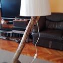 Csavart fenyő állólámpa, Dekoráció, Otthon, lakberendezés, Lámpa, Állólámpa, Famegmunkálás, Egyszerű, de különleges vonalvezetésű állólámpa, melyet fenyőfából alakítottunk ki, és így állított..., Meska
