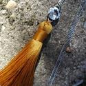 Nagy bojtos hosszú nyaklánc Swarovski kristállyal, Ékszer, Nyaklánc, Arany színű bojtot díszítettem Swarovski kristállyal. A kristály mérete:12mm. A bojt mérete ..., Meska