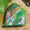 Kézzel festett egyedi kavics - Tündér sárkány, Képzőművészet, Festmény, Akril, Festmény vegyes technika, Festészet, Festett tárgyak, Gyönyörű festett kavics eladó. Csodálatos, és egyedi ajándék Bárkinek, bármilyen alkalomból.  A Pár..., Meska