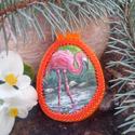 Kézzel festett egyedi kavics Gyöngykeretben - Flamingó, Képzőművészet, Ékszer, óra, Festmény, Festmény vegyes technika, Festészet, Gyöngyfűzés, Gyönyörű festett kavics medál eladó, gyöngykeretbe foglalva. A gyöngykeretet magam készítettem Peyo..., Meska