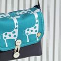 Zsiráfos válltáska, Táska, Válltáska, oldaltáska, A zsiráfos anyagot az amerikai Premier Prints Fabrics gyártotta,  magas minőségű, nyomott mintás 100..., Meska