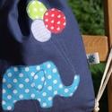 Elefántos hátizsák, Táska, Hátizsák, Egyedi applikációval, sötétkék pamutvászonból készítettem ezt a hátizsákot/tornazsákot.   Belseje bé..., Meska