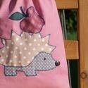 Sünis hátizsák, Táska, Hátizsák, Egyedi applikációval, mályvaszínű pamutvászonból készítettem ezt a hátizsákot/tornazsáko..., Meska
