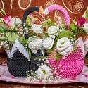 Hattyú pár, Esküvő, Szerelmeseknek, Dekoráció, Esküvői dekoráció, Papírművészet, Virágkötés, Egyedi készítésű 3D origami hattyúpár. A hattyúk 3D origami technikával készültek. A benne lévő vir..., Meska