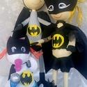 Batman család, Otthon, lakberendezés, Dekoráció, Mindenmás, Papírművészet, Szobrászat, Eladásra kínálom a képen látható Fofucha technikával készült Batman családot. A szett tartalma egy ..., Meska