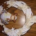Karácsonyi szett ajtódísz asztaldísz kopogtató rénszarvasos, Dekoráció, Karácsonyi, adventi apróságok, Ünnepi dekoráció, Karácsonyi dekoráció, Virágkötés, Mindenmás, 15 cm-es vessző koszorú alapra készített ajtódísz, rénszarvas figurával. Hozzá illő, azonos szalagg..., Meska