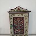 Kulcstartó szekrény- kézzel festett- Szentsimon, Otthon & Lakás, Bútor, Kulcstartó szekrény, Festett tárgyak, Famegmunkálás, Kézzel festett kulcsos szekrény, Szentsimon templomkazettáinak mintáit alapul véve.  8 db kulcs fér..., Meska