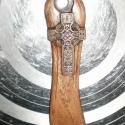 Kulcsos Bicska - Hun, vagy kelta kereszttel, Diófa, vagy más gyümölcsfa nyéllel szerelt sz...