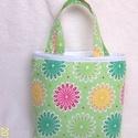 Lányka tatyó  (  Rét, virágokkal ), Baba-mama-gyerek, Táska, Szatyor,   Mint gyakorló nagymama készítettem ezt a könnyen használható fiúcska táskát.Jó tartása van, könnye..., Meska